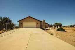 9780 Aster Rd., Oak Hills, CA 92344